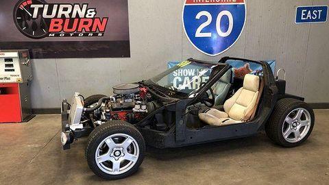 Land vehicle, Vehicle, Car, Motor vehicle, Vintage car, Sports car, Kit car, Rim, Classic car, Wheel,