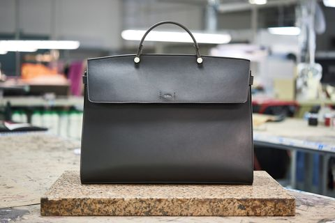 Bag, Handbag, Leather, Product, Briefcase, Fashion accessory, Luggage and bags, Business bag, Material property, Baggage,