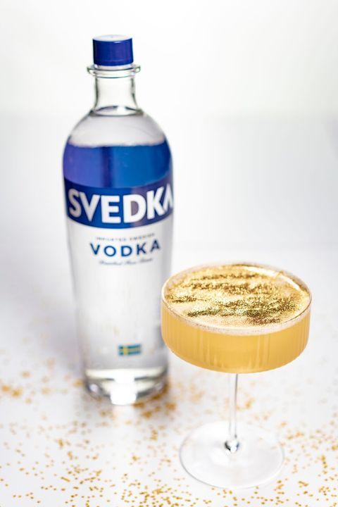 Drink, Liqueur, Water, Alcoholic beverage, Distilled beverage, Vodka, Liquid, Bottle,