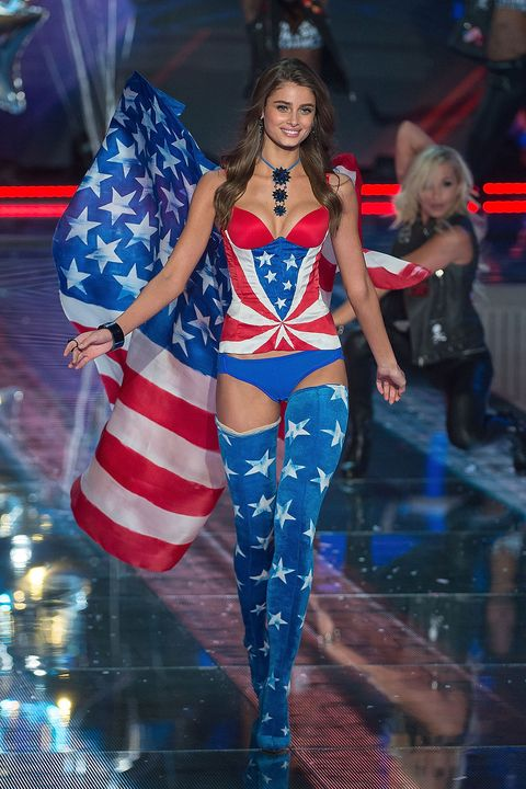 Fashion show, Clothing, Fashion, Fashion model, Performance, Flag of the united states, Thigh, Event, Leg, Model,