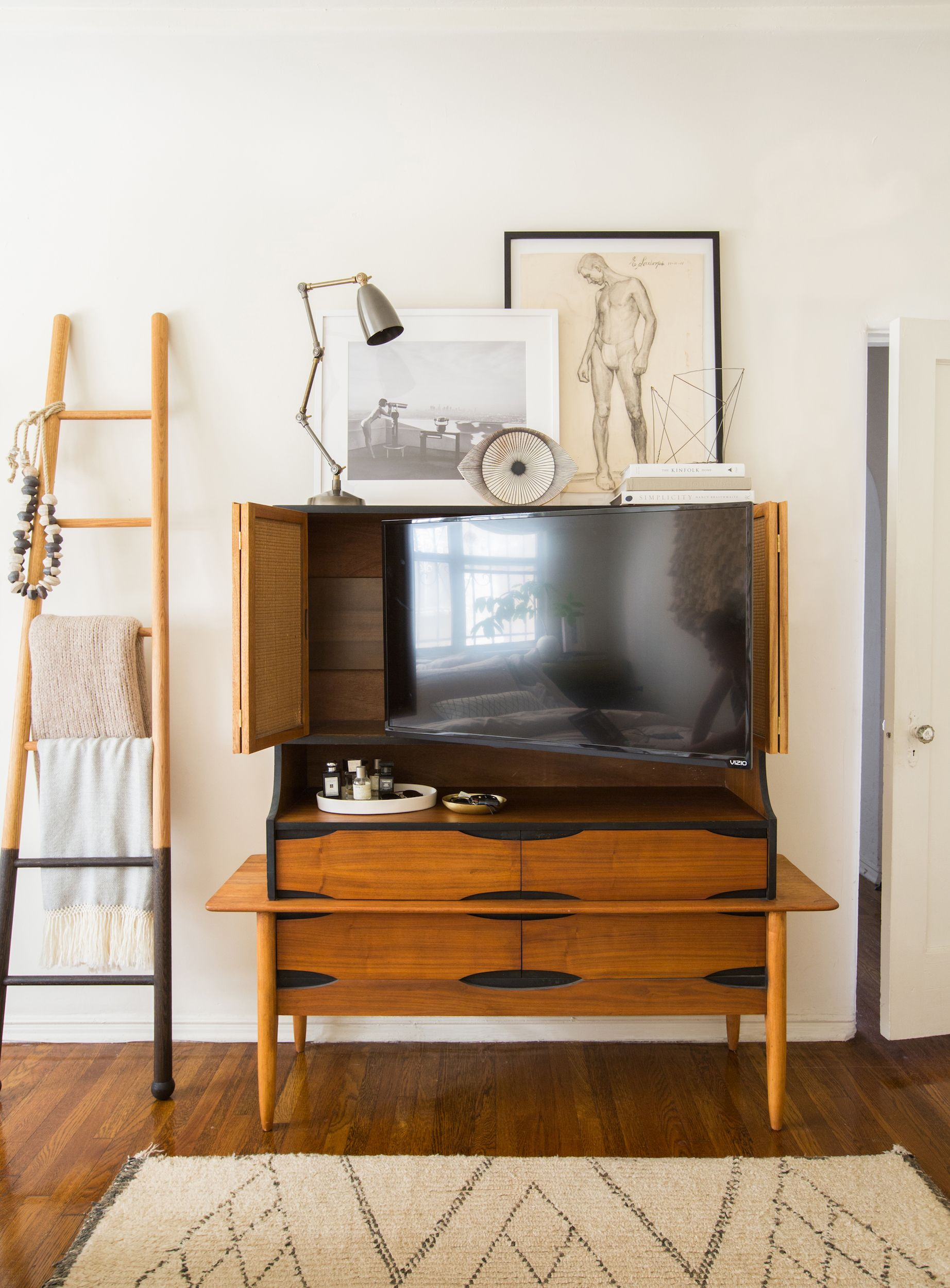 small kitchen counter televisions