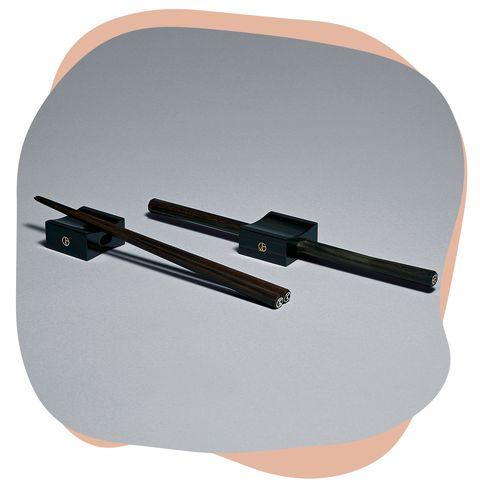 『アルマーニ  カーザ』のラグジュアリーな箸と箸置き