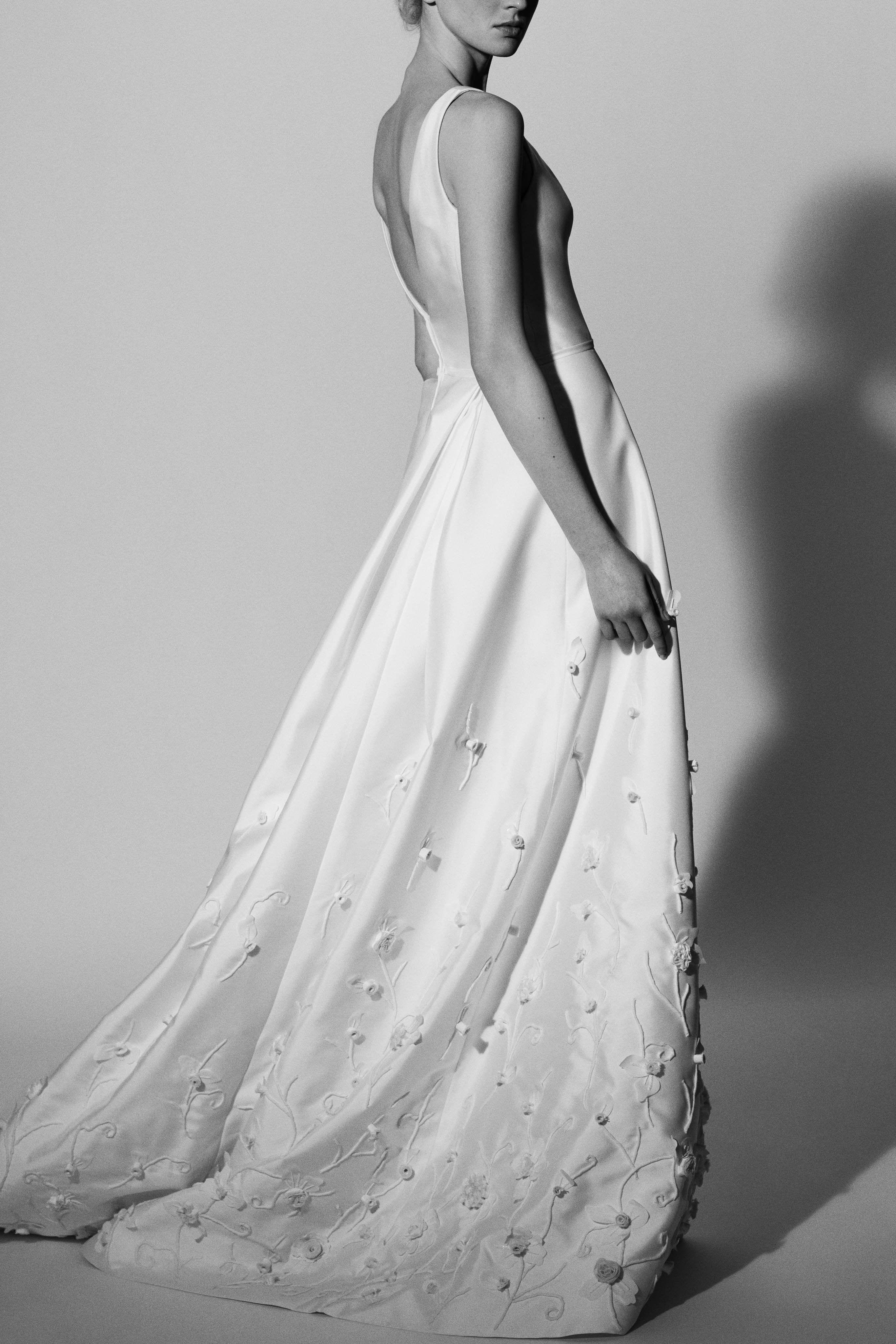 cf818f75681c2 Carolina Herrera Bridal Spring 2018 - See Every Look From Carolina Herrera's  Spring 2018 Bridal Collection