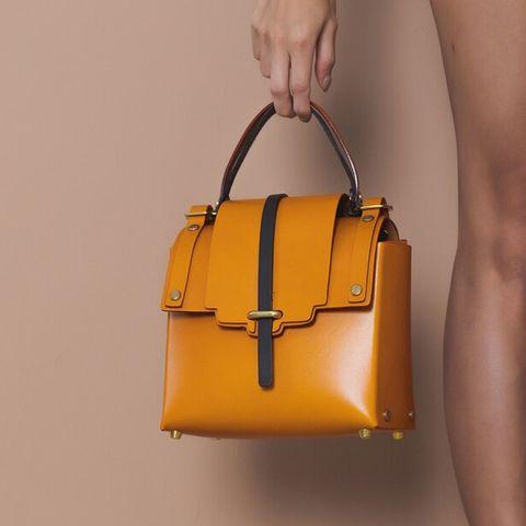 no216金色釘釦裝飾 造型立體小包