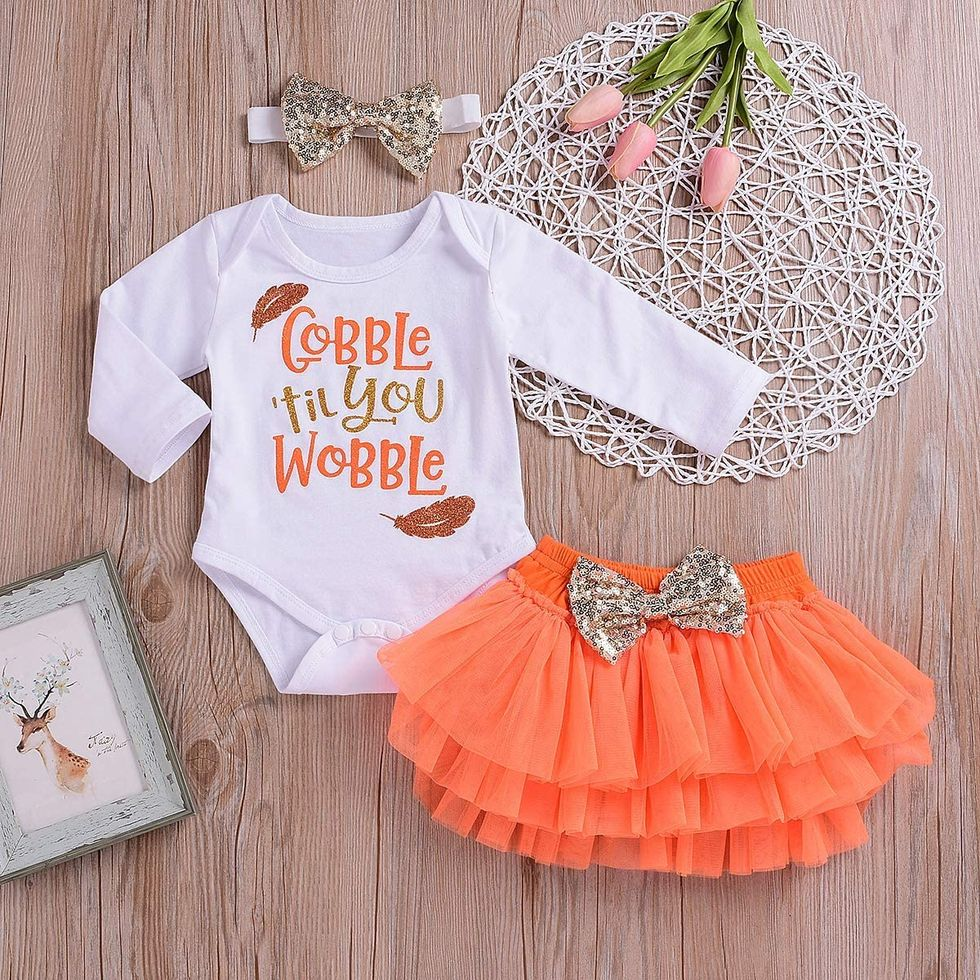 30 Cute Baby Thanksgiving Outfits for Their First Family Feast
