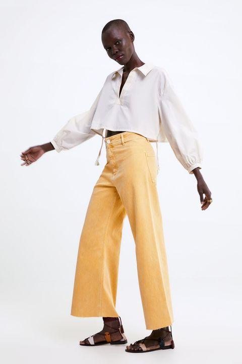 d83ad11b2 Sara Carbonero tiene los pantalones de Zara que prometen triunfar ...