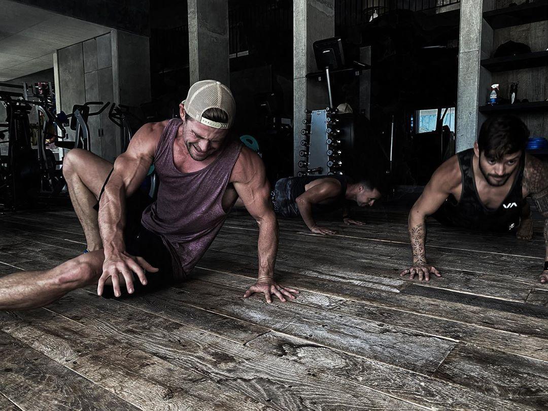 Chris Hemsworth Shares a Killer At-Home Workout