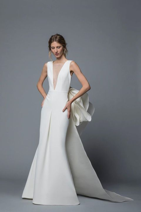 Gown, Fashion model, Clothing, Dress, Wedding dress, Bridal party dress, Shoulder, Bridal clothing, Haute couture, A-line,