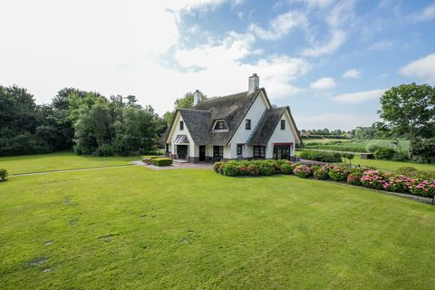 Property, House, Lawn, Home, Estate, Cottage, Land lot, Farmhouse, Grass, Real estate,