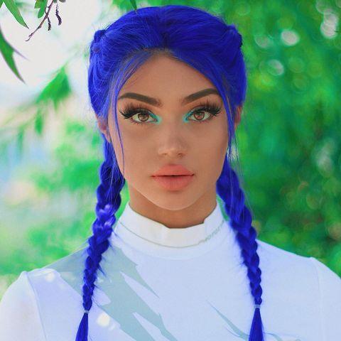 Face, Blue, Hair, Purple, Clothing, Head, Eyebrow, Skin, Beauty, Lip,