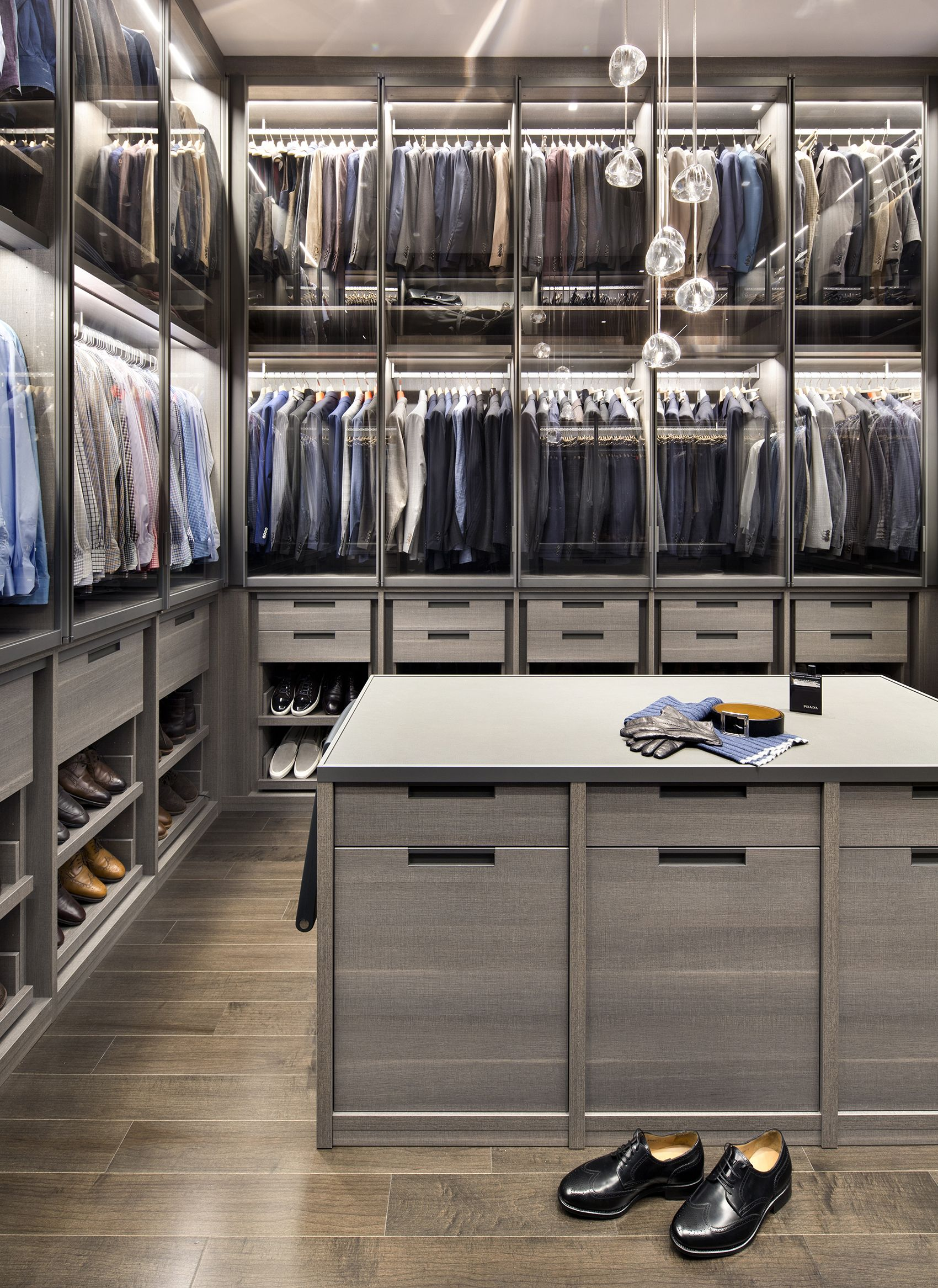 20 Luxurious Walk in Closets Custom