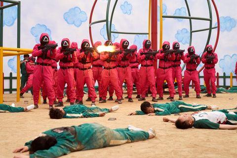 熱播韓劇《魷魚遊戲》劇情中的綠色連身運動服