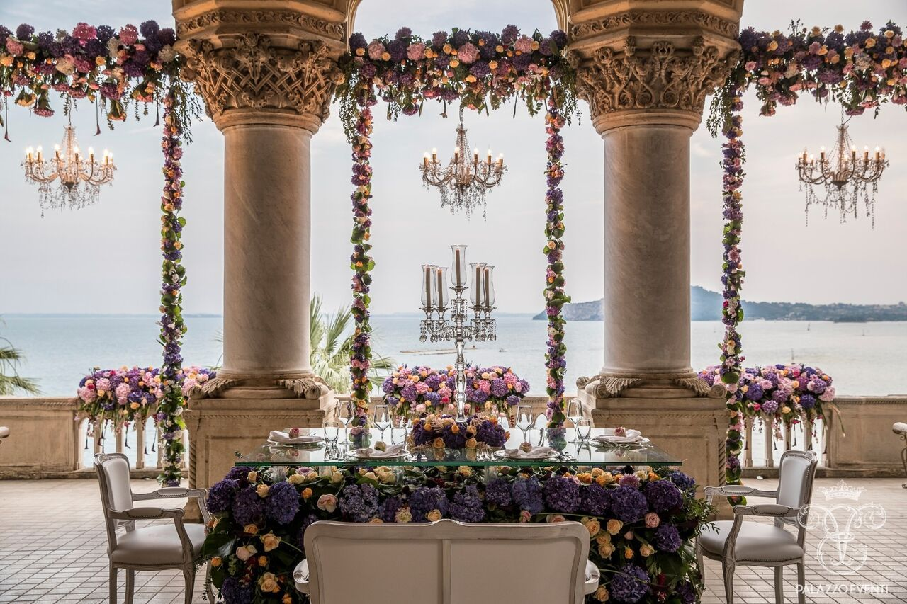 Matrimonio Lago Toscana : Un matrimonio speciale a villa borghese sul lago di garda firmato