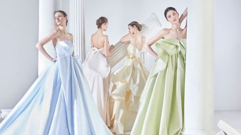 valmont barcelona bridal fashion week(ヴァルモン バルセロナ ブライダル ファッション ウィーク )のアントニオ・リーヴァのドレス