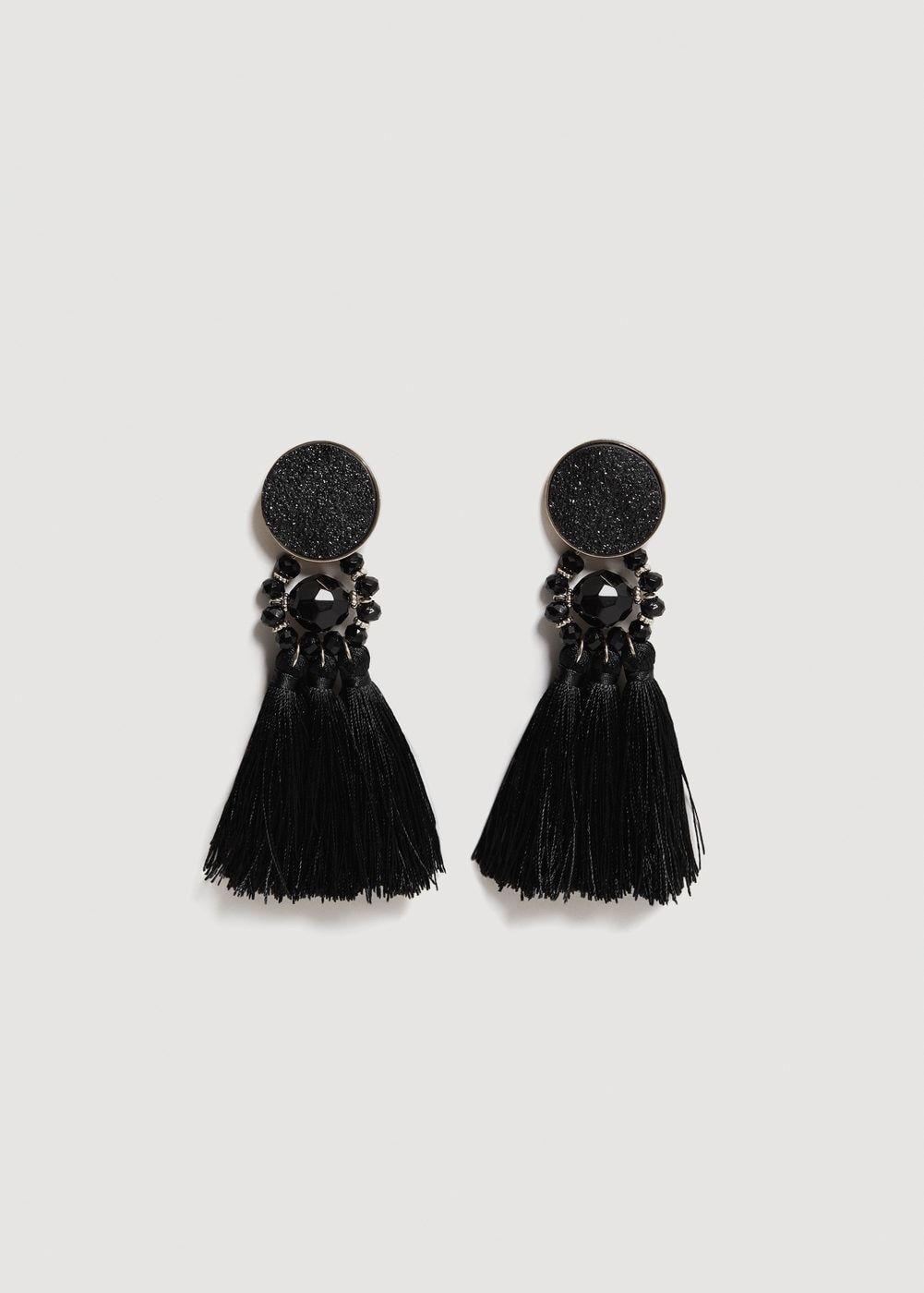 Vestidos y accesorios de Zara, Mango, Bershka, Uterqüe, Sfera, Bimba y Lola, H&M, Stradivarius, & Other Stories, para lucir tanto de día como de noche.