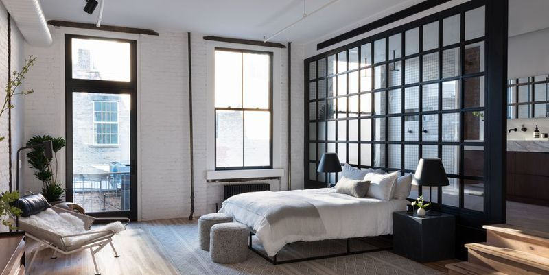 Lovely 44 Black And White Rooms That Make The Case For Monochrome
