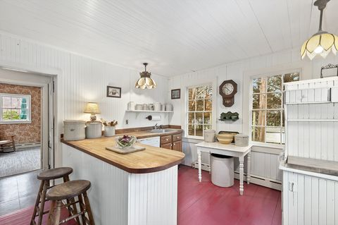 jackie kennedy hamptons riding house for sale