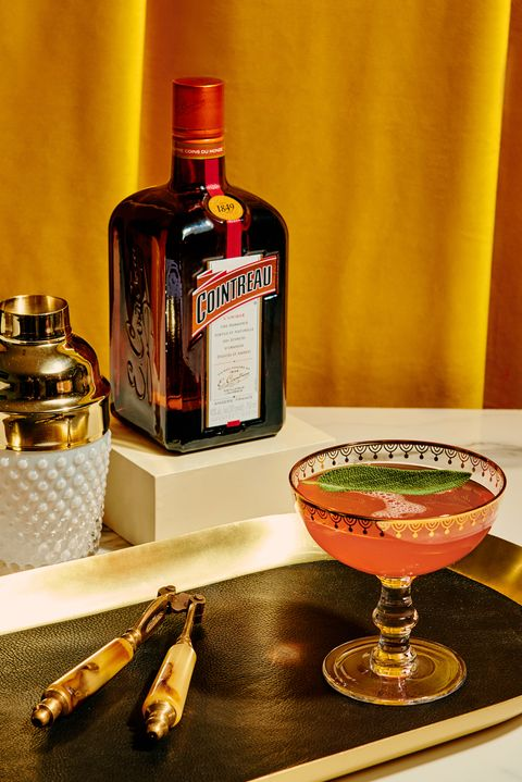 Drink, Liqueur, Alcoholic beverage, Distilled beverage, Alcohol, Bottle, Still life photography, Corpse reviver, Ingredient, Whisky,
