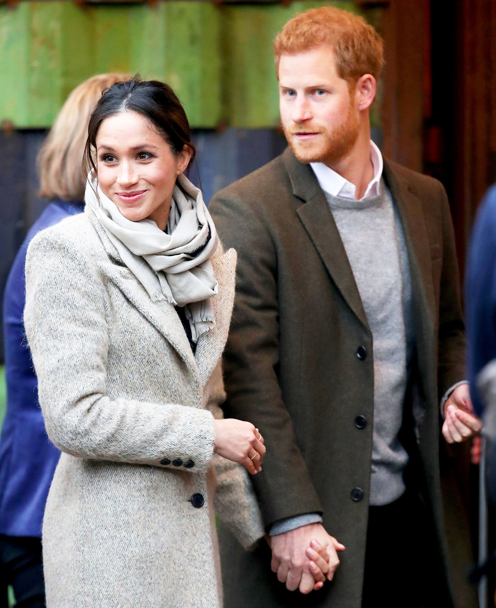 meghan markle and prince harry announce pregnancy on international