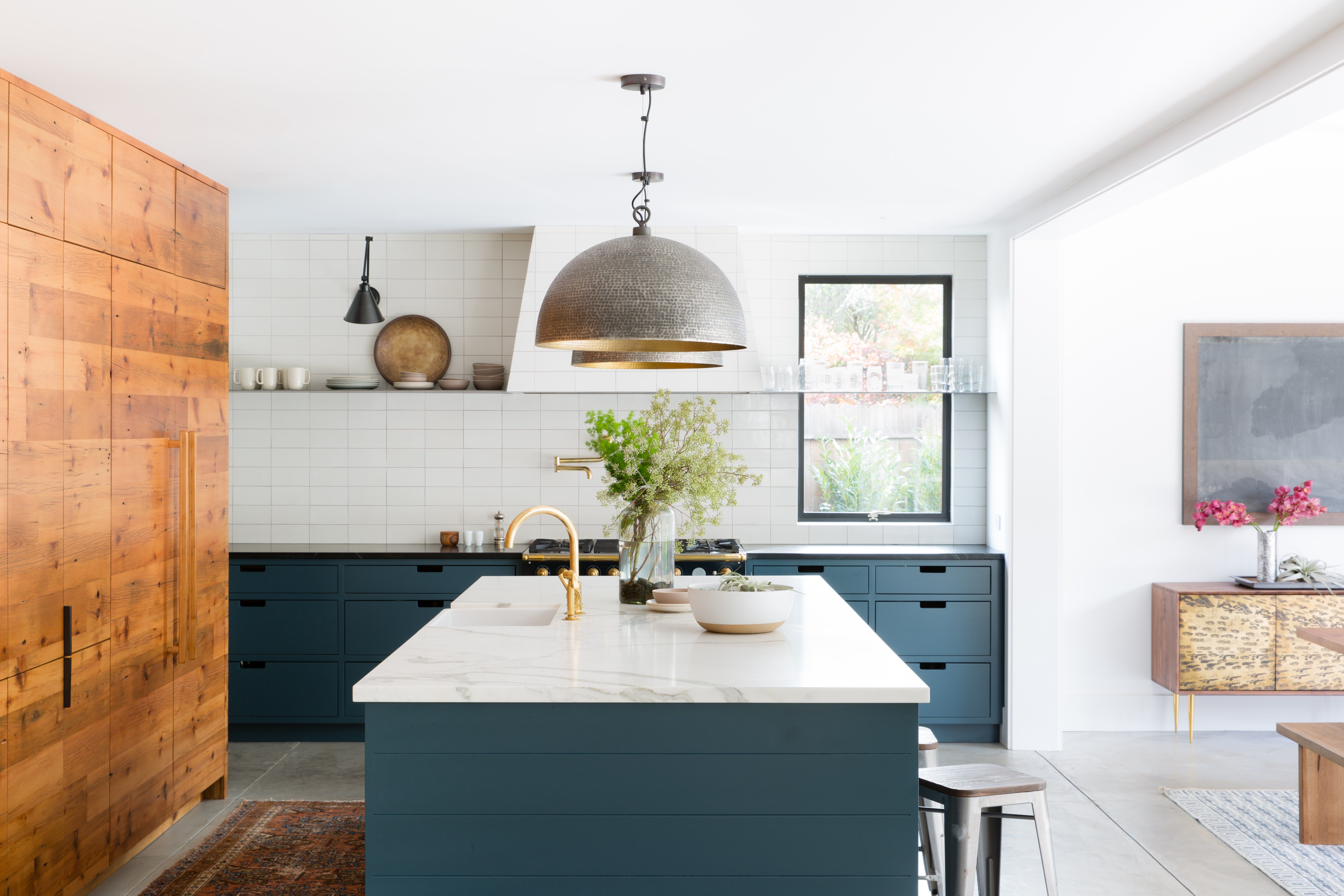 How Two Tone Kitchen Cabinets Can Transform Your Space