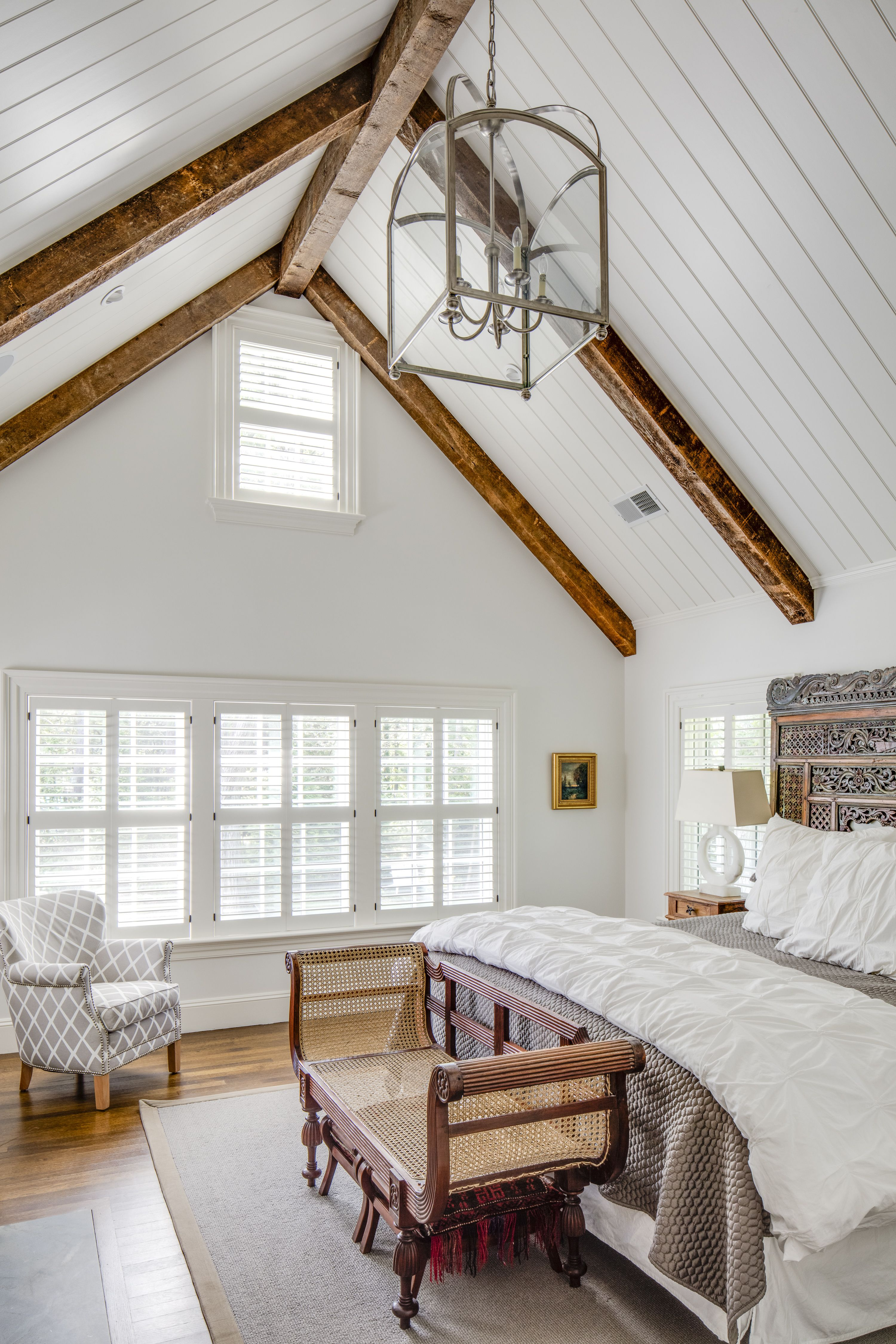 Captivating Bedrooms With Wood Ceilings