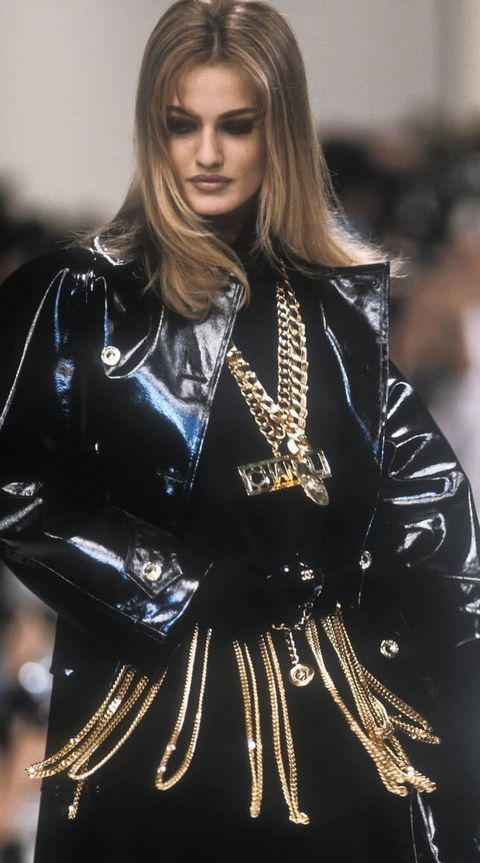 karen mulder, chanel, vintage, runway, catwalk, birthday, nineties, supermodel, fashion, karl lagerfeld
