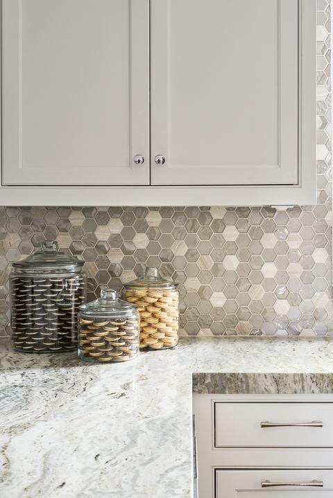 20 Gorgeous Kitchens With Glossy Reflective Tiles Unique Kitchen Tile Ideas