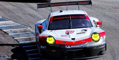 Land vehicle, Vehicle, Car, Motorsport, Endurance racing (motorsport), Sports car racing, Touring car racing, Racing, Performance car, Auto racing,