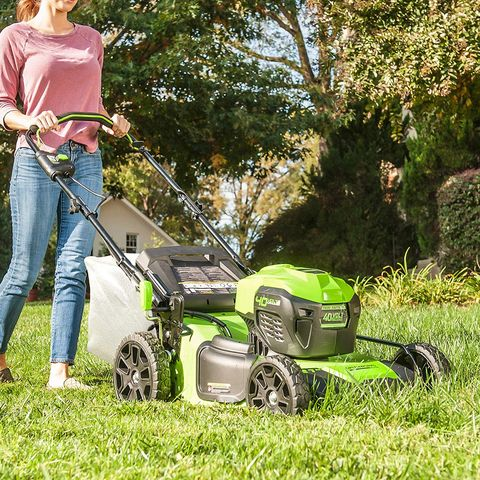 Lawn, Walk-behind mower, Edger, Mower, Lawn mower, Grass, Vehicle, Gardener, Outdoor power equipment, Lawn aerator,