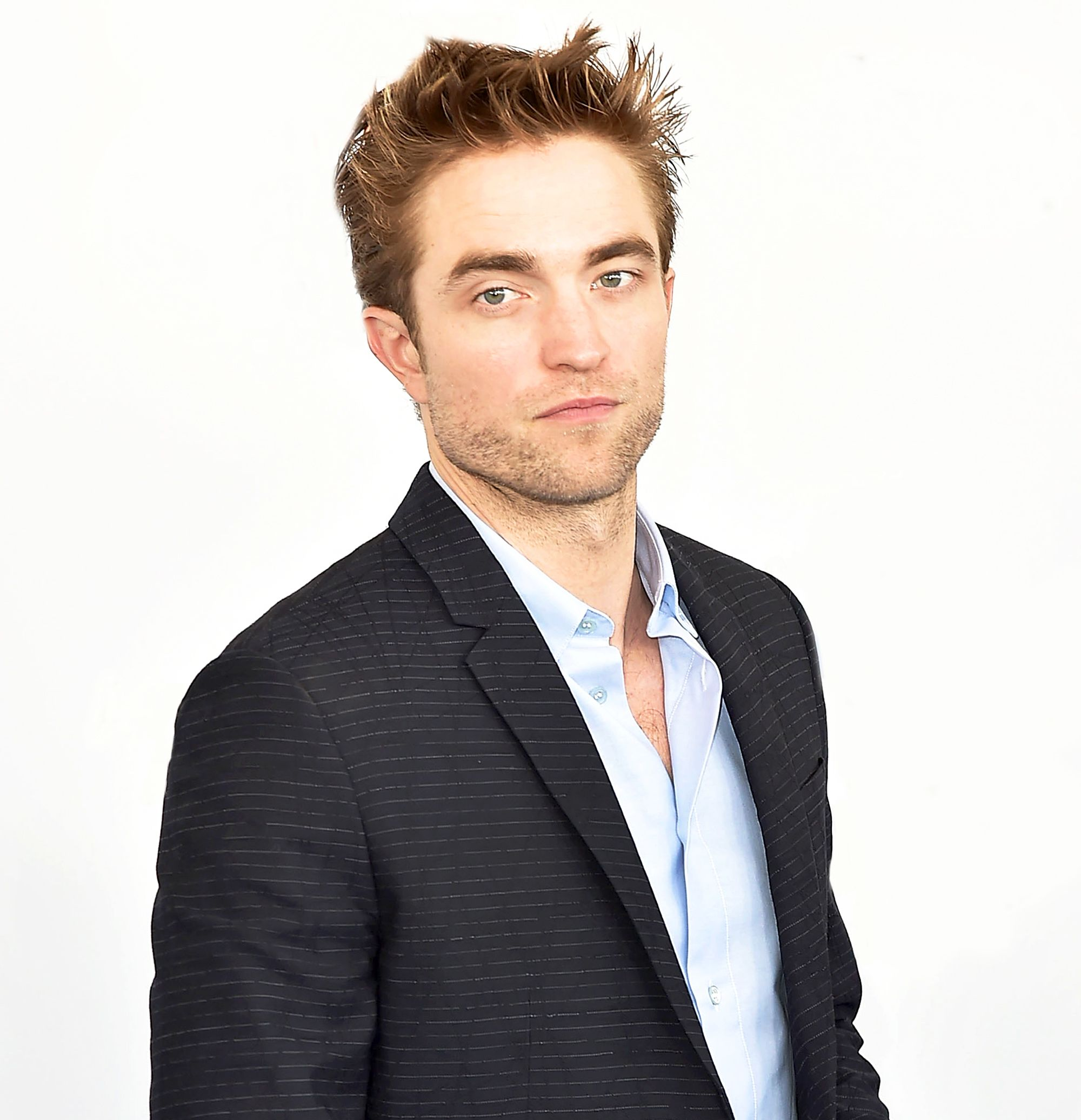 Robert Pattinson  - 2021 Light brown hair & exotic hair style.