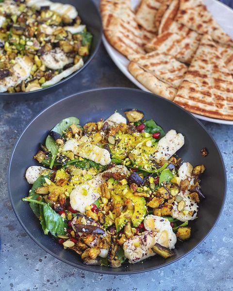 vegetarische salade met halloumi