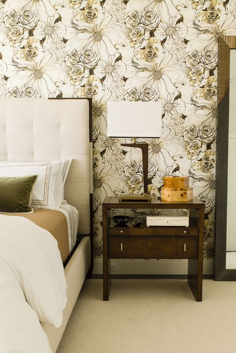 30 bedrooms with statement wallpaper. Black Bedroom Furniture Sets. Home Design Ideas