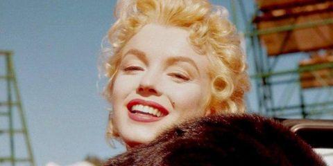 Fur, Beauty, Lip, Fur clothing, Fashion, Blond, Smile, Photography,