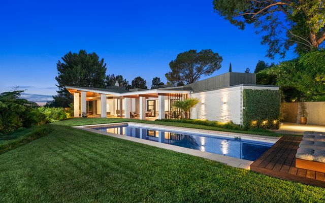 ellen degeneres's former home in beverly hills, now owned by sue gross, is on the market for $38 million