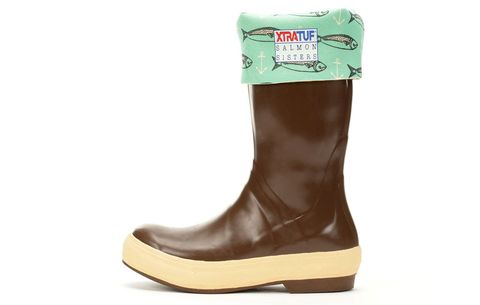 f95fc6470e7 14 Best Gardening Boots, Clogs, And Shoes You Can Buy On Amazon