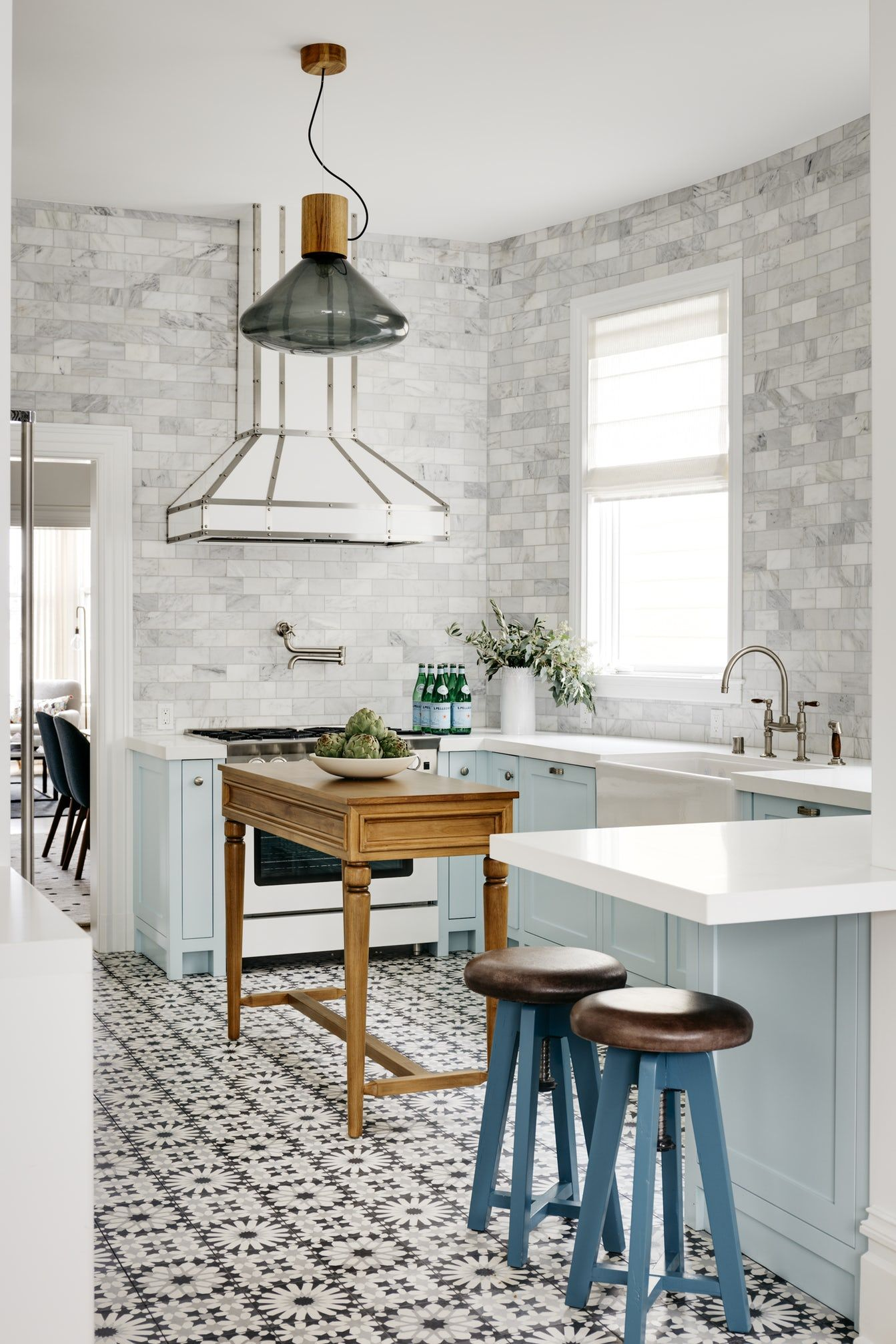 25 Subway Tile Backsplashes Stylish Ideas For