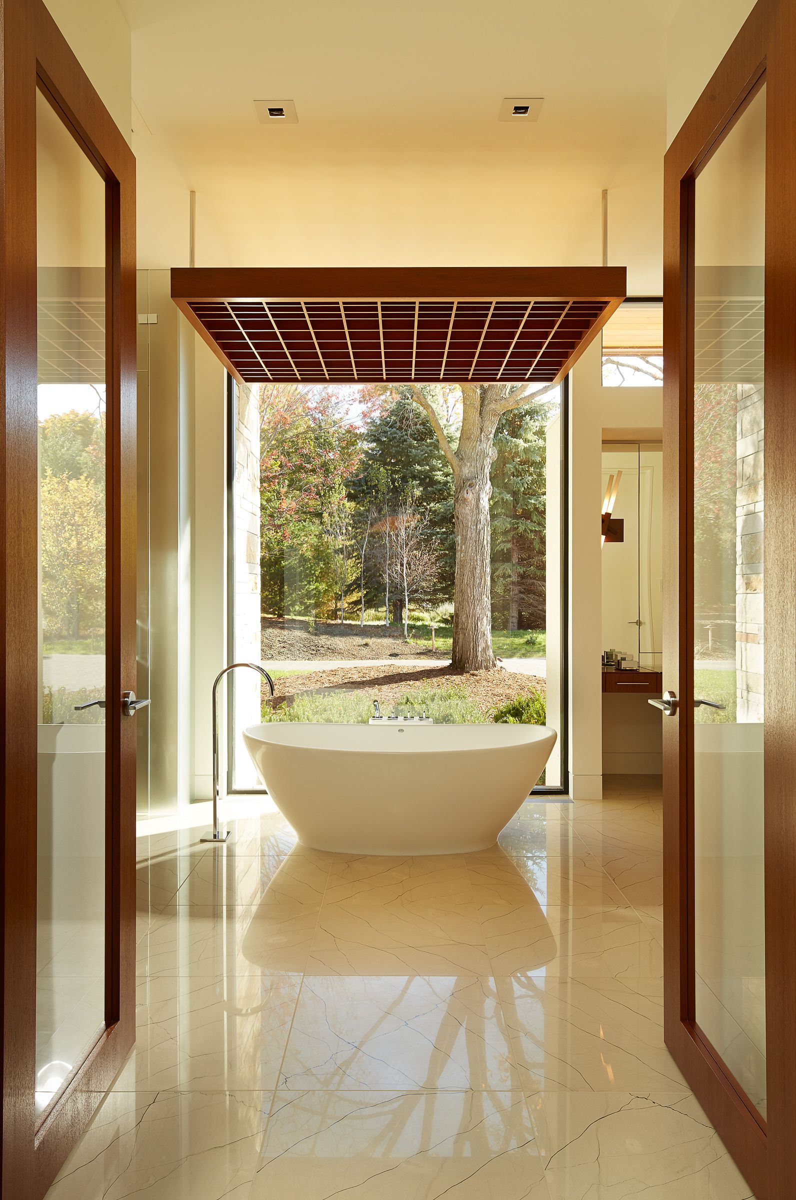 30 Perfect Bathrooms with Luxurious, Curved Tubs