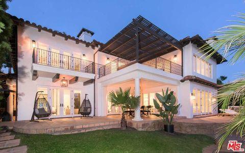 Property, Building, Home, House, Real estate, Estate, Facade, Villa, Architecture, Mansion,