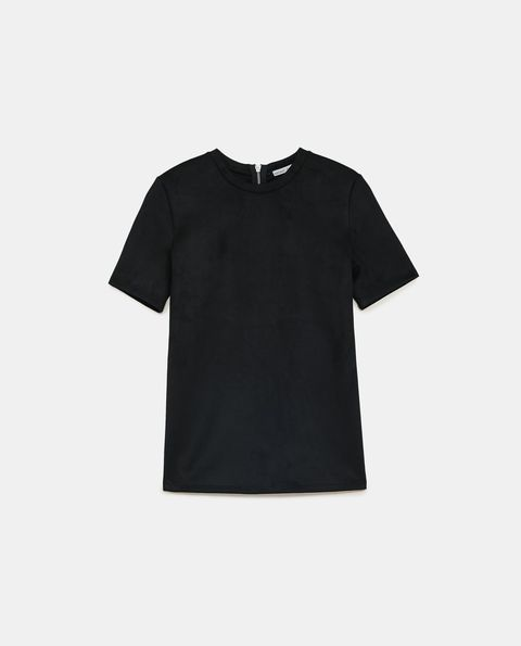 T-shirt, Clothing, Black, White, Sleeve, Top, Neck, Outerwear, Blouse, Collar,