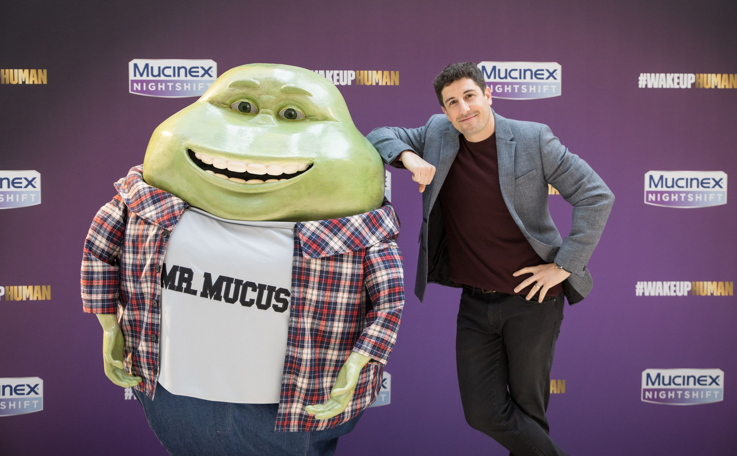 21 Important Questions About This Photo of Jason Biggs and Mr. Mucus