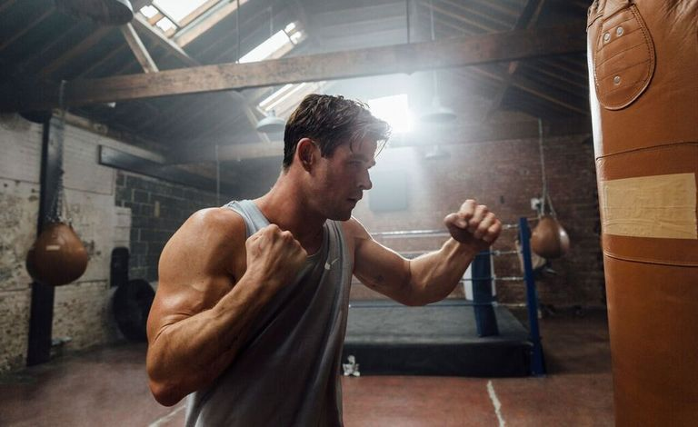 Eat, train and live like Chris Hemsworth himself