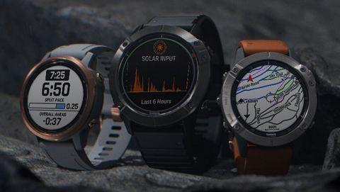 Watch, Dive computer, Gauge, Measuring instrument, Analog watch, Auto part, Diving equipment, Tachometer, Compass,