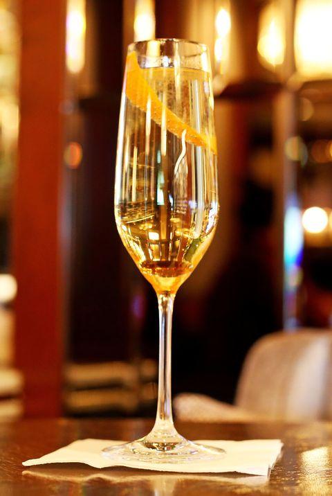 Stemware, Wine glass, Champagne stemware, Drinkware, Drink, Glass, Restaurant, Wine, Alcoholic beverage, Champagne,