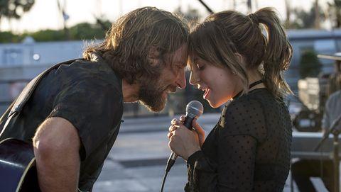 Bradley Cooper y Lady Gagaen Ha Nacido una Estrella