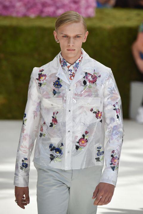 Fashion, White, Runway, Fashion show, Spring, Outerwear, Dress shirt, Suit, Fashion design, Formal wear,