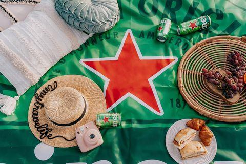 海尼根星綠野餐墊