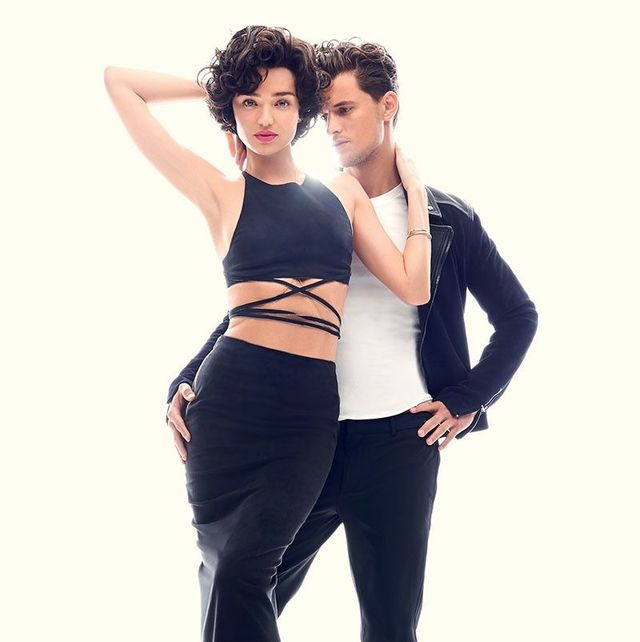 White, Black, Clothing, Shoulder, Standing, Waist, Fashion, Leg, Joint, Footwear,