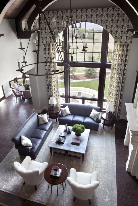 Room, Interior design, Living room, Property, Building, Furniture, Architecture, Ceiling, House, Table,