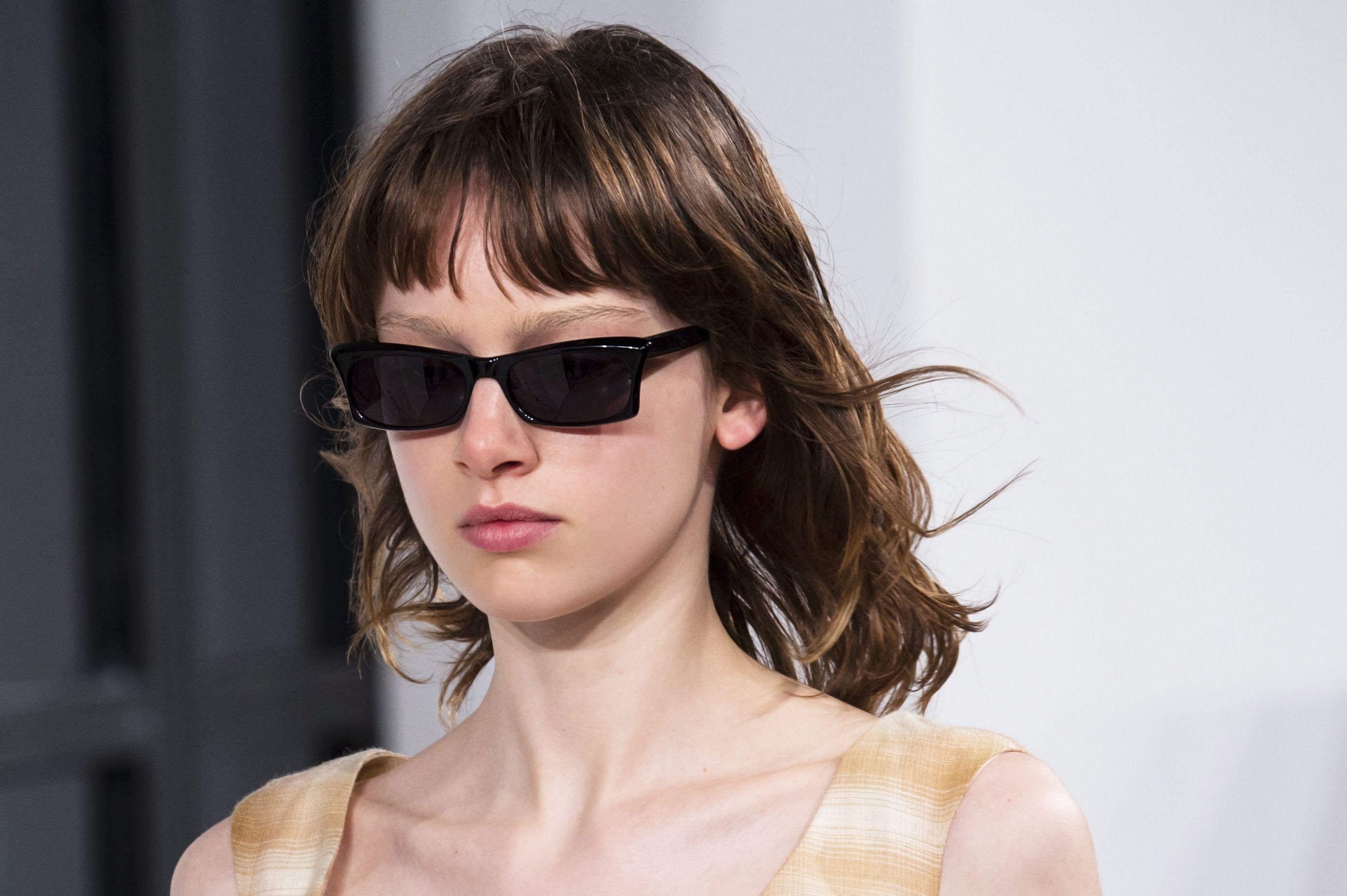 Tagli capelli medio lunghi scalati 2018
