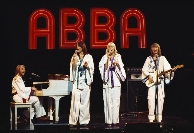 united states   october 19  photo of abba, october 19, 1976, california, los angeles, filmed for midnight special tv show aired february 4, 1977abbal r  benny andersson, anni frid lyngstad,agnetha faltskog, bjorn ulvus  photo by michael ochs archiv